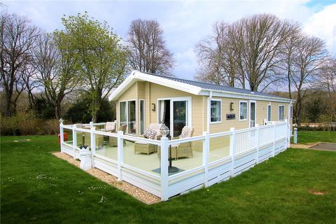 3 bedroom bungalow for sale - Hoburne Naish Holiday Park, Barton On Sea, New Milton, BH25