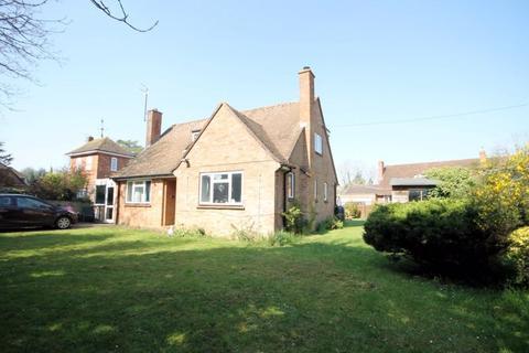 4 bedroom detached bungalow for sale - Yarnton Road KIDLINGTON