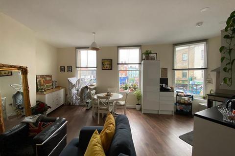 2 bedroom apartment to rent - Peckham High Street, London