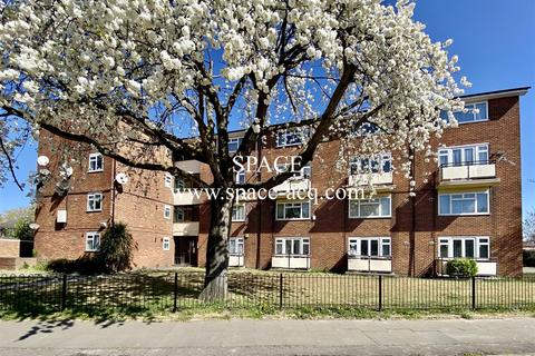 2 bedroom flat to rent - Cranford Drive, Hayes