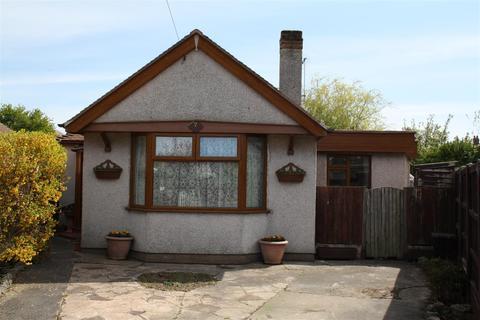 2 bedroom detached bungalow for sale - Tudor Avenue, Rhyl