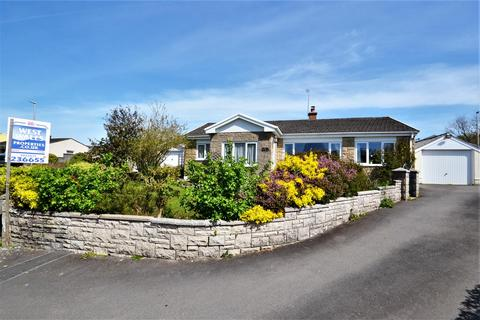 3 bedroom detached bungalow for sale - Manor Way, Llanllwch, Carmarthen