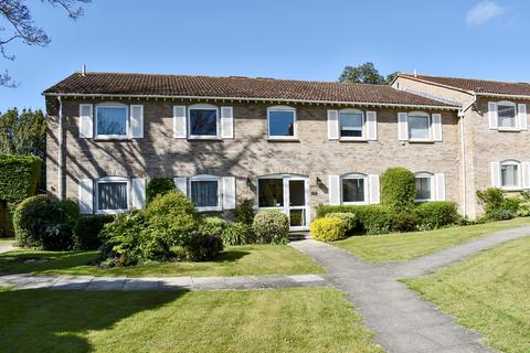 2 bedroom flat for sale - The Cloisters, Belmore Lane, Lymington, SO41