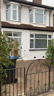 5 bedroom semi-detached house to rent - 5 Bedroom House For Rent Pevensey Avenue,, New Southgate,