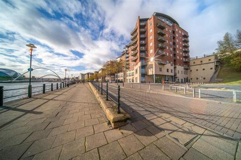 2 bedroom penthouse for sale - St Ann's Quay, Quayside, Newcastle Upon Tyne