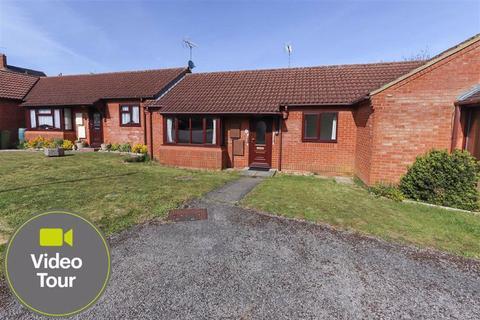 2 bedroom bungalow for sale - Ledburn Grove, Linslade