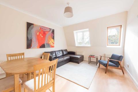 2 bedroom flat to rent - Langthorne Lodge, Charles Haller Street, London, SW2