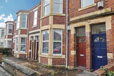 3 bedroom flat for sale - Warton Terrace, Heaton, Newcastle upon Tyne, Tyne and Wear, NE6 5LS