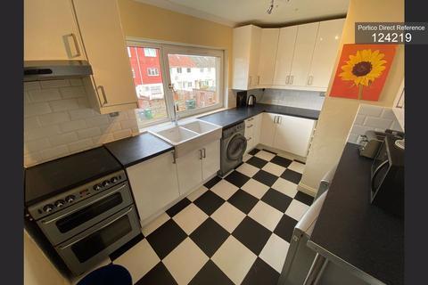 3 bedroom flat to rent - Durar Drive, Edinburgh, EH4