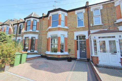 4 bedroom terraced house for sale - Clova Road, Forest Gate, London E7