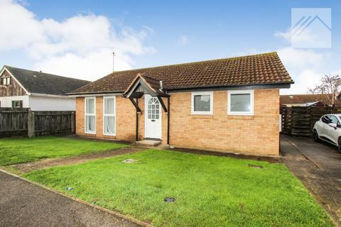 2 bedroom bungalow for sale - Central Avenue, Canvey Island