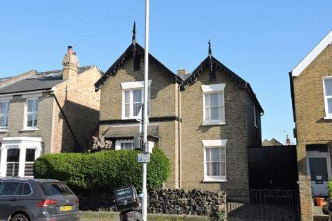 3 bedroom detached house for sale - Kings Road, Kingston Upon Thames