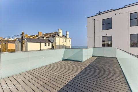 3 bedroom semi-detached house for sale - Queens Road, Worthing, BN11