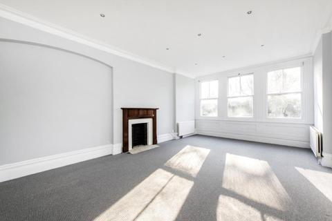 3 bedroom flat for sale - Platts Lane, Hampstead, London, NW3