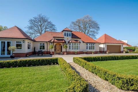 4 bedroom detached bungalow for sale - Ryland Road, Welton, Lincoln, LN2