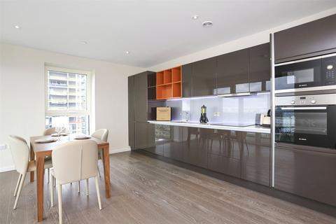 2 bedroom apartment to rent - Glasshouse Gardens Stratford E20