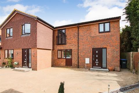 3 bedroom semi-detached house for sale - Barton Crescent, East Grinstead, West Sussex