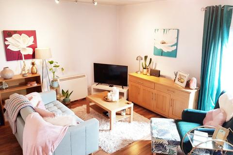 1 bedroom apartment to rent - 4, 17 Albany Road