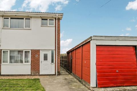 4 bedroom semi-detached house for sale - Llys Alwen, Rhyl