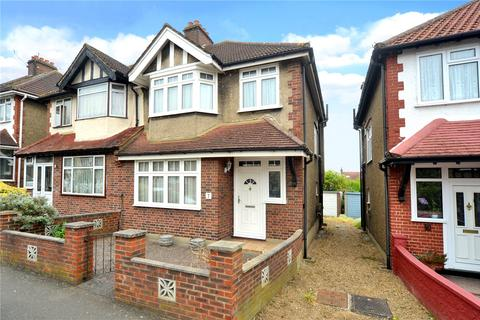3 bedroom semi-detached house for sale - St. Philips Avenue, Worcester Park, Surrey, KT4