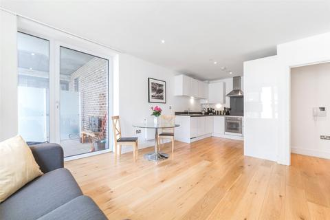 1 bedroom apartment for sale - Centurion Tower, 5 Caxton Street North, E16