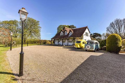 5 bedroom detached house for sale - Woodsland Road, Hassocks