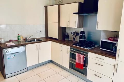 1 bedroom in a house share to rent - Foxglove Way, ,