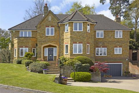 5 bedroom detached house for sale - Chatsworth Place, Oxshott, Surrey, KT22