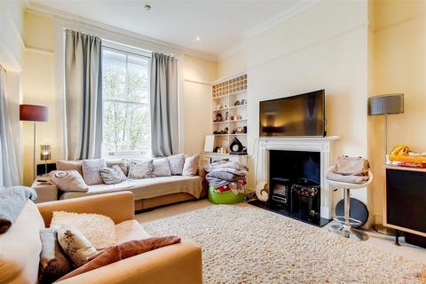2 bedroom flat to rent - Eardley Crescent, Earls Court Road, SW5