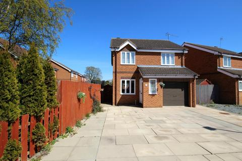 3 bedroom detached house for sale - Lilac Avenue, Beverley