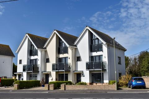 4 bedroom townhouse for sale - Sea Road, Barton on Sea, BH25