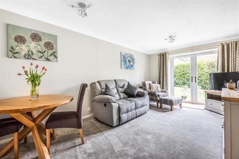 1 bedroom retirement property for sale - New Road, Crowthorne, Berkshire, RG45 6SL