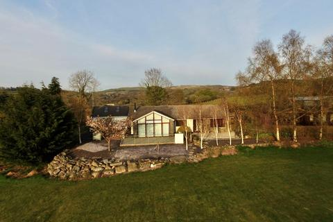 3 bedroom property with land for sale - Ty Mawr, Llanybydder, SA40