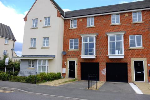 4 bedroom townhouse for sale - Molyneux Square, Hampton Vale, Peterborough