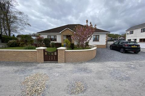 4 bedroom detached bungalow for sale - Penygroes Road, Blaenau, Ammanford