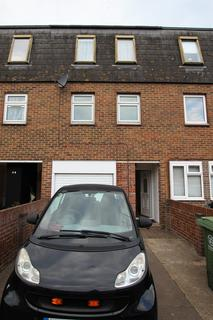3 bedroom terraced house to rent - Steerforth Close, Portsmouth PO2