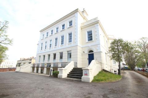 1 bedroom flat to rent - London Road, Charlton Kings, GL52