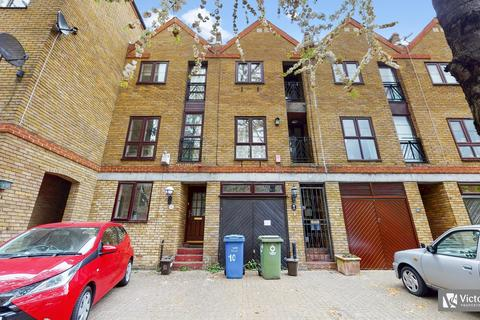 4 bedroom terraced house to rent - Brunswick Quay, Canada Water, London, SE16