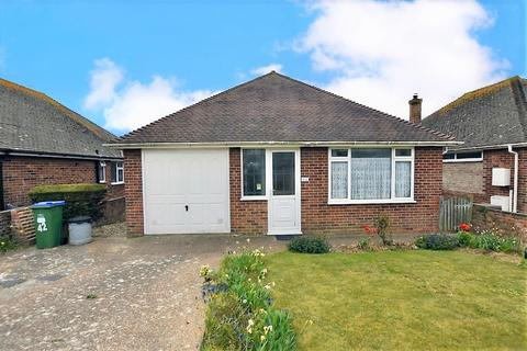 3 bedroom chalet for sale - Nutley Avenue, Saltdean, Brighton, BN2 8EB