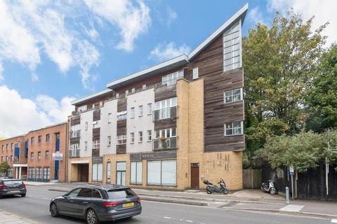 2 bedroom flat to rent - London Road, Kingston upon Thames, KT2 6PA