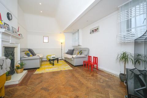2 bedroom apartment for sale - Lyttelton Court, Lyttelton Road, N2
