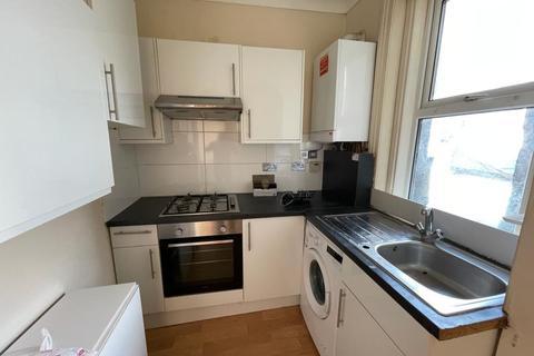 3 bedroom flat to rent - Walm Lane, Willesden Green, NW2