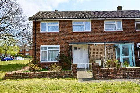 3 bedroom end of terrace house for sale - Eden Road, Crawley, RH11
