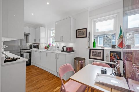 2 bedroom flat to rent - Iverna Gardens, W8