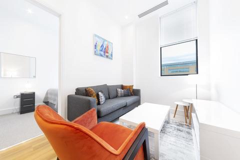 1 bedroom apartment to rent - Bath Road, Slough