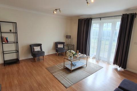 2 bedroom ground floor flat for sale - Queensberry Place, London