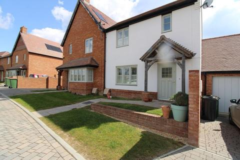 3 bedroom semi-detached house to rent - Pembers Hill Drive, Fair Oak, Eastleigh