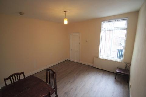 4 bedroom terraced house to rent - Hollis Road, Coventry, CV3 1AH