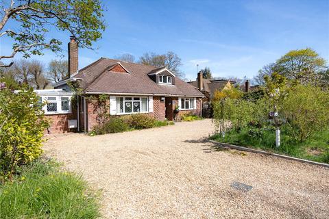 3 bedroom bungalow for sale - Norrels Ride, East Horsley, Surrey, KT24