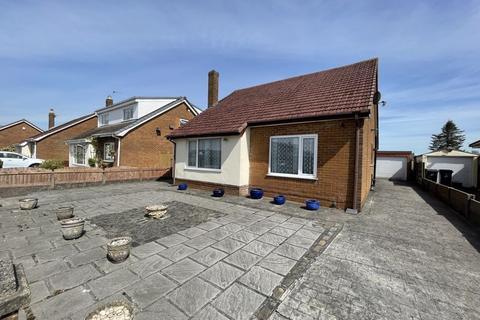 2 bedroom detached bungalow for sale - Latimer Drive, New Longton